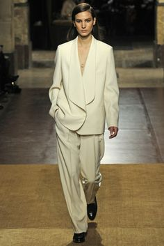 OVERSIZE TAILORING: Hermès RTW Fall 2014 [Photo by Giovanni Giannoni]