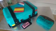 Travel / suitcase cake Suitcase Cake, Cake Face, How To Make Cake, Cakes, Travel, Cake, Viajes, Pastries, Traveling