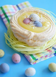 ❥ Springtime Easter Lemon Meringue Nest Cookies.