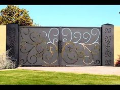 Driveway Gate this site has lots of unique iron gate options. luv, luv, luv this gate! could we accommodate to hinge up? House Main Gates Design, Front Gate Design, Door Gate Design, Fence Design, House Design, Design Homes, Grill Design, Simple Gate Designs, Latest Main Gate Designs