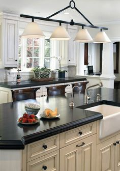 This year is all about darker countertops. Do you like the contrast effect in this #kitchen #design?
