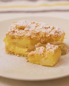 CUSTARD LOVERS, your culinary dreams have come to life with this comforting dessert! Tart Recipes, Apple Recipes, Sweet Recipes, Baking Recipes, Custard Slice, Custard Tart, Custard Buns, Apple Custard, Easy Desserts