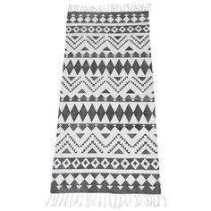 Bomullsmatta Nilla med tryckt mönster. Material: 100% bomull. Mått: 70x150 cm.