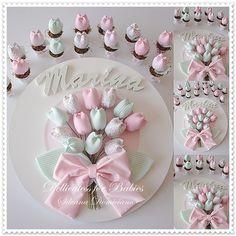 Quadro de maternidade e lembrancinhas mini vasinhos com tulipa Exclusivo Dellicatess for Babies-Silvana Domiciano. Cópias não autorizadas. ...