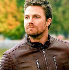 Oliver Queen Arrow, Oliver Queen Felicity Smoak, Gorgeous Eyes, Beautiful Men, Stephen Amell Arrow, Tom Mison, Arrow Tv, Supergirl And Flash, Black Lightning