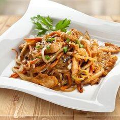 Polish Recipes, Japchae, Food And Drink, Tasty, Cooking, Ethnic Recipes, Dragon, Pierogi, Dinners
