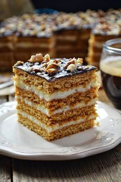 / Kitchen in green: Honey cake with creamy semolina (Stefanka) Polish Desserts, Polish Recipes, Cookie Recipes, Dessert Recipes, Decadent Chocolate Cake, Chocolate Fudge Frosting, Sandwich Cake, Honey Cake, Cake Bars