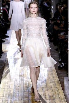 Sfilata Valentino Parigi - Alta Moda Primavera Estate 2011 - Vogue