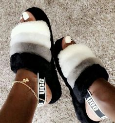 51 trendy birthday outfit for teens schools ugg boots Cute Uggs, Ugg Boots, Shoe Boots, Moda Sneakers, Fluffy Shoes, Ugg Sandals, Sandals Outfit, Ugg Slippers, Bedroom Slippers
