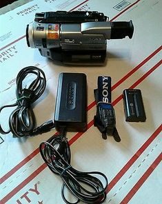 SONY Digital 8mm HandyCam Video Camera DCR-TRV310 Hi8 NIGHTVISION - Excellent!