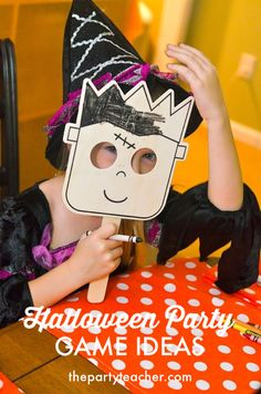 Halloween Party Game Ideas by The Party Teacher Halloween School Treats, Halloween Party Games, Halloween Carnival, Halloween Trick Or Treat, Easy Halloween, Diy Party Crafts, Craft Party, Teacher Party, Childrens Party