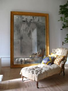 Casa Decor 2012 luis puerta (I could do a big mirror w tiles, if Dumitru helped me w frame) Interior Styling, Modern Interior Design, Interior Decorating, Large Leaning Mirror, Giant Mirror, Large Wall Prints, Living Room Mirrors, Mirror Painting, Elegant Homes
