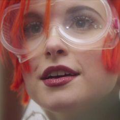 hayley-williams-makeup-aint-it-fun