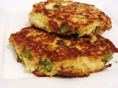 Zucchini & Cauliflower Fritters - a healthy #sidedish that's easy to make and full of flavor!