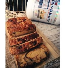 Cinnamon swirl protein bread -Ingredients  1c spelt flour 1c french vanilla Whey protein powder 1 tsp baking soda 1/2 tsp salt 2 large egg whites  3/4 c apple sauce 1/4 c @natvianaturalsweetener ] 1 cup almond milk  1 tsp vanilla extract. CINNAMON-SWIRL 1 Tbsp ground cinnamon 1/3 c natvia method: Preheat oven to 175C degrees. Line a  loaf pan with baking paper. Make sure the wet ingredients are at the bottom. Bake for 45-55min