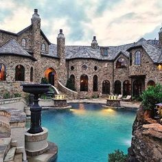 An unbelievable mansion ❗️❗️ - Follow @dreamhomes #tagforlikes #furniture #FF