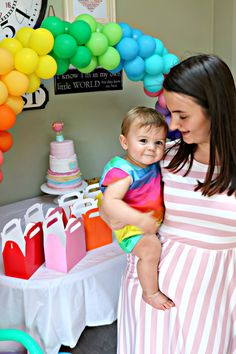 Florence's Rainbow Themed Birthday Party Rainbow Party Games, 1st Birthday Party Games, Rainbow Birthday Party, Rainbow Theme, Baby 1st Birthday, Birthday Ideas, Rainbow Balloon Arch, Themed Cakes, Party Planning