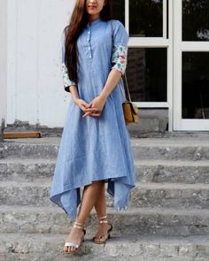 41 Cotton Kurti Designs are Really Cool for Stitching Inspiration - LooksGud. Dress Indian Style, Indian Dresses, Indian Outfits, Western Outfits, Indian Wear, Kurta Designs Women, Blouse Designs, Denim Kurti Designs, Casual Dresses