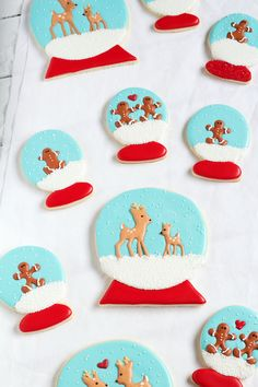 Easy Snow Globe Cookies - Sugar Cookies Decorated with Royal Icing www.thebearfootbaker.com