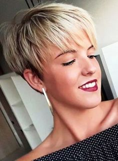 Blonde Pixie Haircut, Short Blonde Pixie, Pixie Haircut Styles, Short Blonde Haircuts, Cute Hairstyles For Short Hair, Hairstyles Haircuts, Short Hair Cuts, Blonde Hairstyles, Pixie Styles