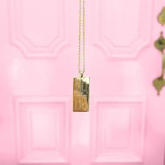 Morning Valentine. Anyone expecting our Doorstep Necklace for V-Day?! What numbers would you pick to engrave on your's?! First apartment?! House you grew up in? Zip code?! There really is no place like home!