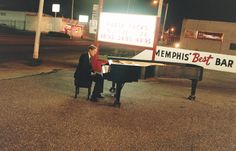 William Eggleston in Memphis -photo by Juergen Teller William Eggleston, Juergen Teller, Color Photography, Street Photography, Editorial Photography, Landscape Photography, Portrait Photography, Nature Photography, Fashion Photography