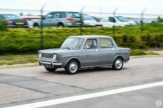 #Simca #1000 aux #Anciennes en Vallée de l'Eure. Reportage complet : http://newsdanciennes.com/2015/09/08/grand-format-les-anciennes-en-vallee-de-leure-2/ #Classic_cars #Vintage #Voiture