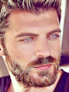 This man is the epitome of male beauty.💋💋 Eye color app identifies and measures every shade of color in your eyes. Beautiful Men Faces, Gorgeous Eyes, Face Men, Male Face, Hairy Men, Bearded Men, Beard Styles For Men, Handsome Faces, Handsome Man