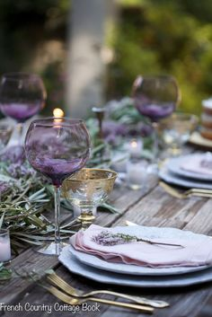 🌟Tante S!fr@ loves this📌🌟Lilac & olive branch inspired table & rustic cake French Country Tables, French Country Bedrooms, French Country Cottage, French Country Decorating, Table Centerpieces, Table Decorations, Table Setting Inspiration, Rustic Cake, Country Style Homes