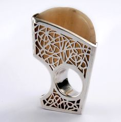 Bullhorn and silver ring by Pascale Frey - Akane