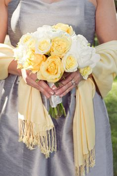 I LOVE yellow roses!