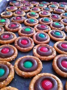 Christmas pretzels (round pretzel, kiss, and m&ms)