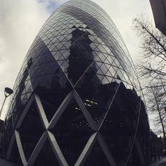 #london #architecture #normanfoster #thegherkin #kenshuttleworth