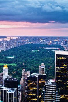 Gorgeous photo of Central Park, New York. New York Central, Central Park, Places To Travel, Places To See, Beautiful World, Beautiful Places, Grand Parc, Voyage New York, Beau Site