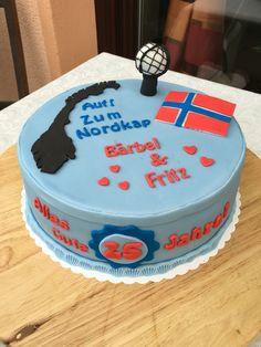 Bärbel und Fritz sind nun schon 25 Jahre zusammen. Im Mai fahren sie an das Nordkap, da bin ich ja echt neidisch. Zur Jubiläumsfeier gab es dann gestern diese Nordkap Torte! Ich wünsche alles Gute und eine tolle Reise! #Fondant #cake #norway #nordkap #torte #tortenkunstlerin #anni_cakes