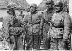 Fallschirmjägers with winter uniform.