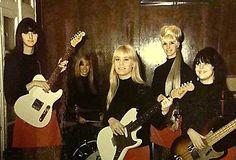 60s girl band - Motor City Mavericks