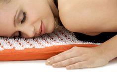 Hajlítsd be a csuklódat, és nézd meg hány vonalat látsz! Acupressure Therapy, Acupressure Mat, Acupressure Treatment, Acupuncture, Natural Face Lift, Alternative Treatments, Alternative Medicine, Massage, Trauma