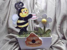 Floreira abelha feliz | Artesanatos Ingrid Carvalho | 16FF43 - Elo7