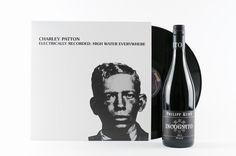 Wie findet Ihr das? Charley Patton, den großen Pionier des Mississippi-Blues, hören und dazu ein Gläschen Rotwein trinken. #hejvinmusic #charleypatton #blues #philippkuhn #pfalz #redwine #feineweingeschenke