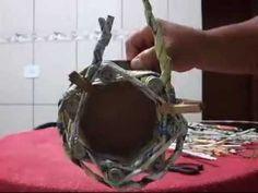 Artesanato: Cachepot ou centro de mesa feito com jornal - YouTube