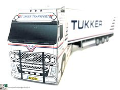 Bouwplaat van je Volvo FH met Fliegl trailer – bouwplaatvanjeeigentruck.nl Paper Models, Volvo, Transportation, Van, Meet, Trucks, Paper Templates, Vans, Track
