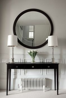 This is a beautiful place to come for modern home decor ideas. Modern console table is at the center of our attention. Hall Console Table, Hallway Console, Modern Console Tables, Hall Tables, Hallway Decorating, Entryway Decor, Interior Decorating, Modern Interior Design, Luxury Interior