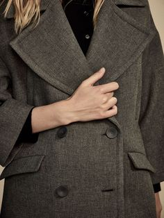 Fall Winter 2017 Women´s CAPE-STYLE THREE QUARTER LENGTH COAT at Massimo Dutti for 120. Effortless elegance!