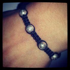 braccialetto macramè con perline satinare - accessori handmade moda primavera estate 2012 - DIY
