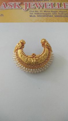Used Gold Jewelry For Sale Refferal: 2204664155 Gold Jhumka Earrings, Jewelry Design Earrings, Gold Earrings Designs, Gold Jewellery Design, Diamond Necklaces, Gold Necklace, Gold Locket, Diamond Choker, Choker Necklaces