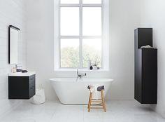 Billedresultat for svedbergs mia lagerman oval badkar Bad Inspiration, Bathroom Inspiration, Bathroom Furniture, Bathroom Interior, Black Tiles, Bathroom Collections, Diy Tv, Black Floor, The Way Home