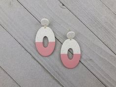Color dipped statement earrings – Pale pink and white granite oval stud earrings – Handmade polymer clay jewelry for women - granite colors white The Potter's Hand, Earrings Handmade, Handmade Jewelry, Statement Earrings, Stud Earrings, Granite Colors, Geometric Jewelry, Handmade Polymer Clay, Polymer Clay Earrings