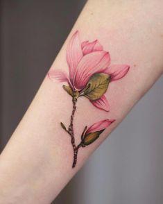 Natural look - -Magnolie Natural look - - Tattoo Borboleta Tattoo 🌿 Hot Tattoos, Mini Tattoos, Unique Tattoos, Beautiful Tattoos, Body Art Tattoos, Form Tattoo, Shape Tattoo, Small Girl Tattoos, Sister Tattoos