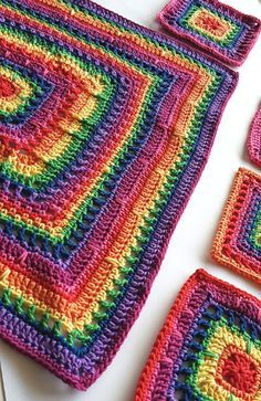 Free pattern - Kim - Part 5 of the Fran Mystery CAL by Shelley Husband